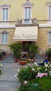 Ditta Taglieri - Tenda ingresso villa